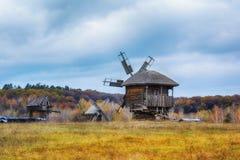 De herfst in etnisch museum Pirogovo stock foto's