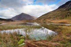 De herfst in Llyn Idwal Stock Foto's