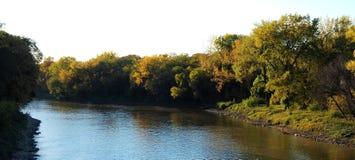 De herfst op de Assiniboine-Rivier Royalty-vrije Stock Afbeelding