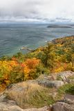 De herfst op Sugarloaf-Berg in Marquette Michigan stock fotografie