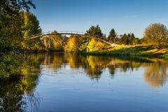 De herfst over de rivier, stad van Bydgoszcz, Polen royalty-vrije stock fotografie