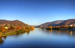 De herfst in stad, kasteel, stadsbrug in Heidelberg Royalty-vrije Stock Afbeeldingen