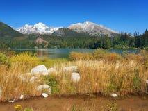 De herfst in Strbske Pleso, Hoge Tatras, Slowakije Stock Afbeelding
