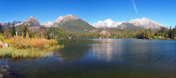 De herfst in Strbske Pleso, Hoge Tatras, Slowakije Royalty-vrije Stock Foto's