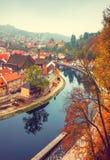 De herfst van de riviervltava van Ceskykrumlov Royalty-vrije Stock Fotografie