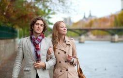 De herfst van Nice walkin in Parijs Stock Foto's
