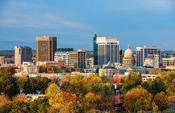 De herfstbomen en de horizon van Boise Idaho stock afbeeldingen