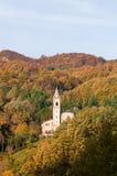 De herfstkerk Toscaans Emilian Apennines Royalty-vrije Stock Afbeelding