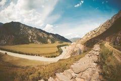 De herfstlandschap in bergen Royalty-vrije Stock Afbeeldingen