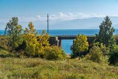 De herfstlandschap op de Spoorweg circum-Baikal royalty-vrije stock afbeelding