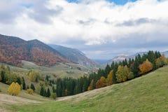 De herfstlandschap van de berg Royalty-vrije Stock Afbeeldingen