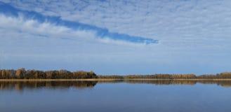 De herfstmeer stock foto