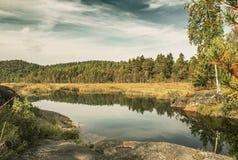 De herfstmeer in Noorwegen Stock Foto's