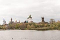 De herfstmening van Izmailovo het Kremlin in Moskou Stock Afbeeldingen