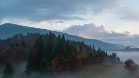 De herfsttijdspanne van de zonsopgangtijd stock footage