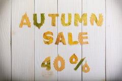 De herfstverkoop 40 percenten royalty-vrije stock afbeelding