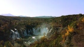 De herfstwaterval van Bosnië en Hercegovina Stock Afbeeldingen