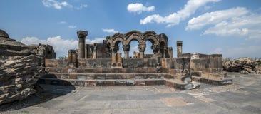 De herstelde ruïnes van de tempel van Zvarnots de Tempel van Vigi Stock Foto