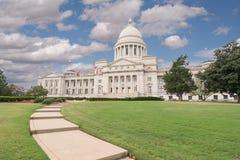De het Capitoolbouw van Arkansas in Little Rock stock foto