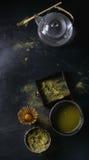 De het groene poeder en drank van theematcha Royalty-vrije Stock Afbeeldingen