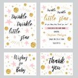 De het meisjesmalplaatjes van de babydouche fonkelen fonkelen weinig stertekst met gouden stip roze sterinvtation u kaardt dankt stock foto