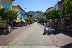 De het winkelen straat in Alanya Stock Foto