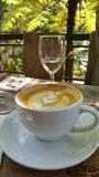 De hete Koffie van kunstlatte stock fotografie