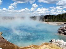 De hete lente in Yellowstone Stock Afbeeldingen