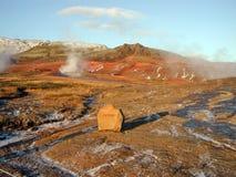 De hete lentes in Geysir, IJsland Stock Foto's