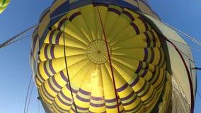 De hete luchtballon photgrphed in Bealton, toont de Vliegende Lucht van het Circus VA stock video