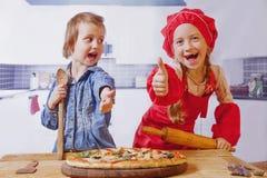 De hete lunch van de pizza grote kaas Heerlijk smakelijk snel voedsel het Italiaans royalty-vrije stock foto