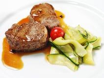 De hete Schotels van het Vlees - de Medaillons van het Kalfsvlees Stock Afbeeldingen