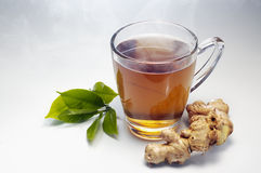 De hete thee van de Gember met damp royalty-vrije stock afbeeldingen