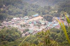 De heuvel-stam van Doipui's Hmong etnisch dorp, luchtmening van stock afbeelding