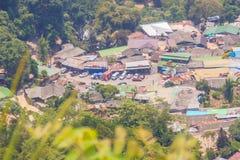 De heuvel-stam van Doipui's Hmong etnisch dorp, luchtmening van royalty-vrije stock afbeelding