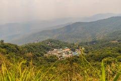 De heuvel-stam van Doipui's Hmong etnisch dorp, luchtmening van stock fotografie