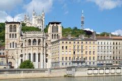 De heuvel van Fourvière en de kathedraal van Heilige Jean stock fotografie