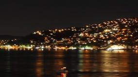 De heuvels van Istanboel ` s bij nacht stock footage