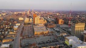 De heuveltop Omaha Nebraska Downtown Urban Skyline van de stadsmening stock videobeelden