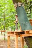 De hinderniscursus in avonturenpark Royalty-vrije Stock Fotografie