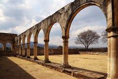 De historische Basiliek van Cuilapan, Oaxaca, Mexico royalty-vrije stock fotografie