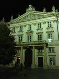 De historische bouw in Bratislava Slowakije bij nacht Royalty-vrije Stock Fotografie