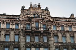 De historische bouw op het Nevsky-vooruitzicht in heilige-Petersburg, Rusland stock afbeeldingen