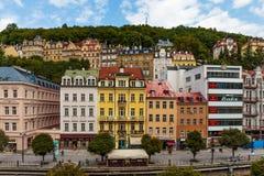 De historische Gebouwen in Karlovy variëren, Carlsbad Stock Afbeeldingen