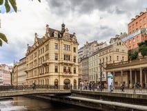 De historische Gebouwen in Karlovy variëren, Carlsbad Stock Foto