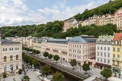 De historische Gebouwen in Karlovy variëren, Carlsbad Stock Foto's