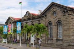 De historische hoofdpostkantoorbouw in Haven Louis, het eiland van Mauritius stock afbeelding