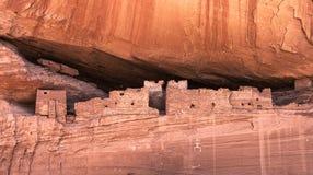 De historische inheemse woningen van het anasazihol royalty-vrije stock afbeelding