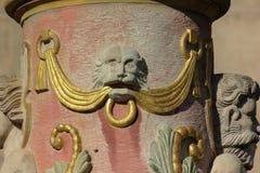 de de historische ornamenten en voorwerpen van fonteindetails stock afbeeldingen