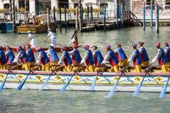 De historische regatta van Regatastorica In Venetië Italië stock foto's